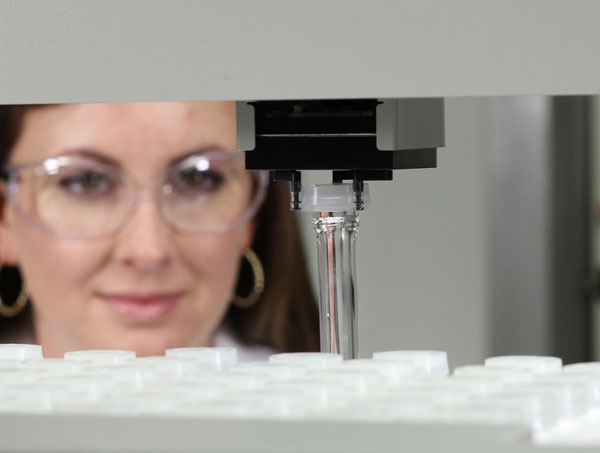 Discover SP-D Clinical microwave digestion system sequentially digests 48 samples unattended.