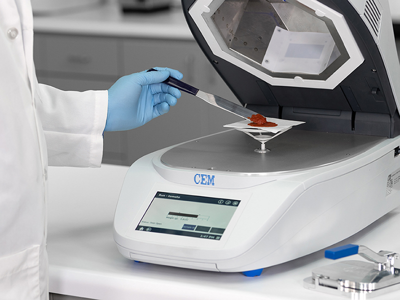 Microwave and Infrared Moisture Analyzer